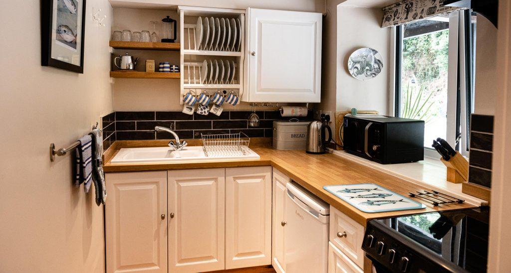 Apartment-Anchorage-kitchen-2